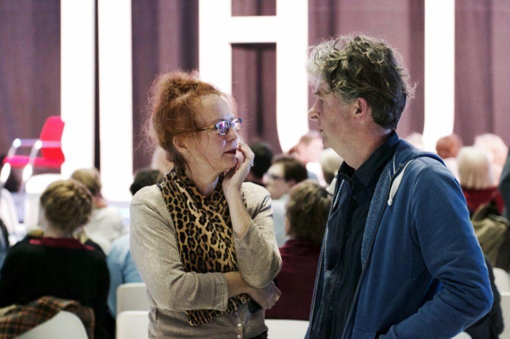 Toeschouwers praten nog even na. ©Marc Brester/AQM