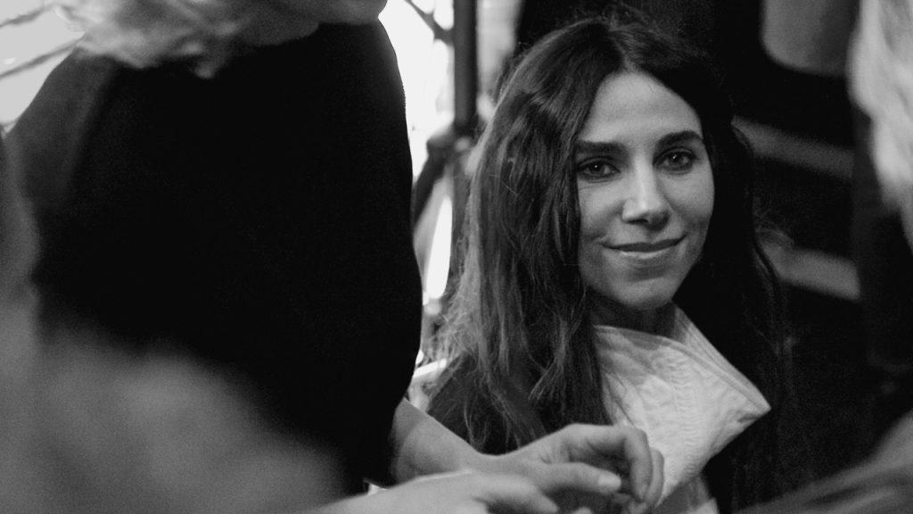 PJ Harvey bij het signeren ©Marc Brester/AQM