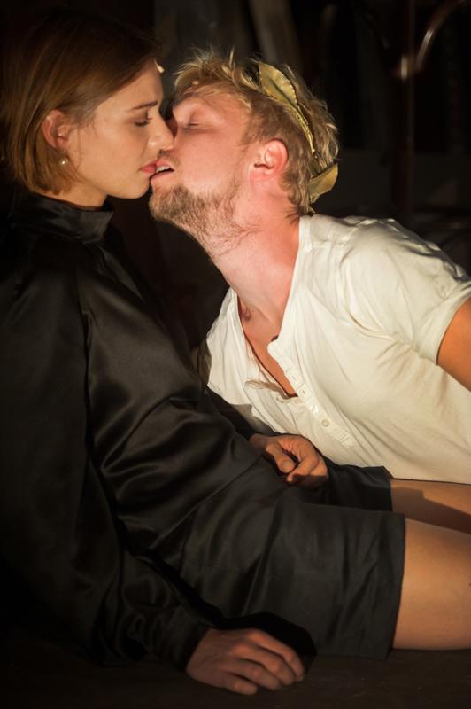 Sallie Harmsen en Joris Smit in Tasso (foto Kurt van der Elst)