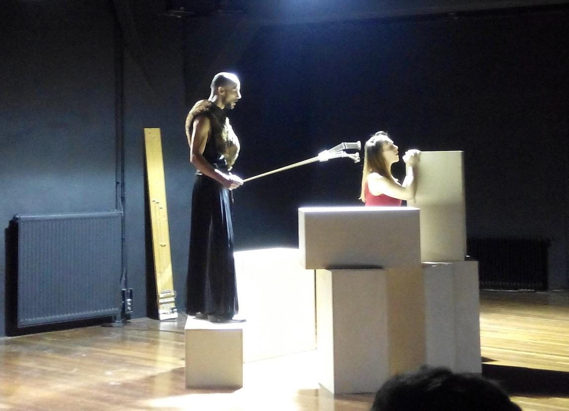 Fabian Holle en Merlijn Runia in Sisters 4-12-2014
