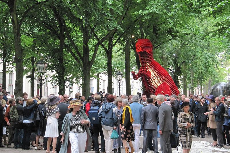 Red Dinosaur van Sui Jianguo (foto auteur)