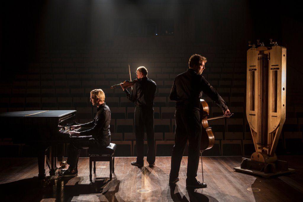 Storioni Trio met draailier Marco Mlynek, fotografie Mike Roelofs