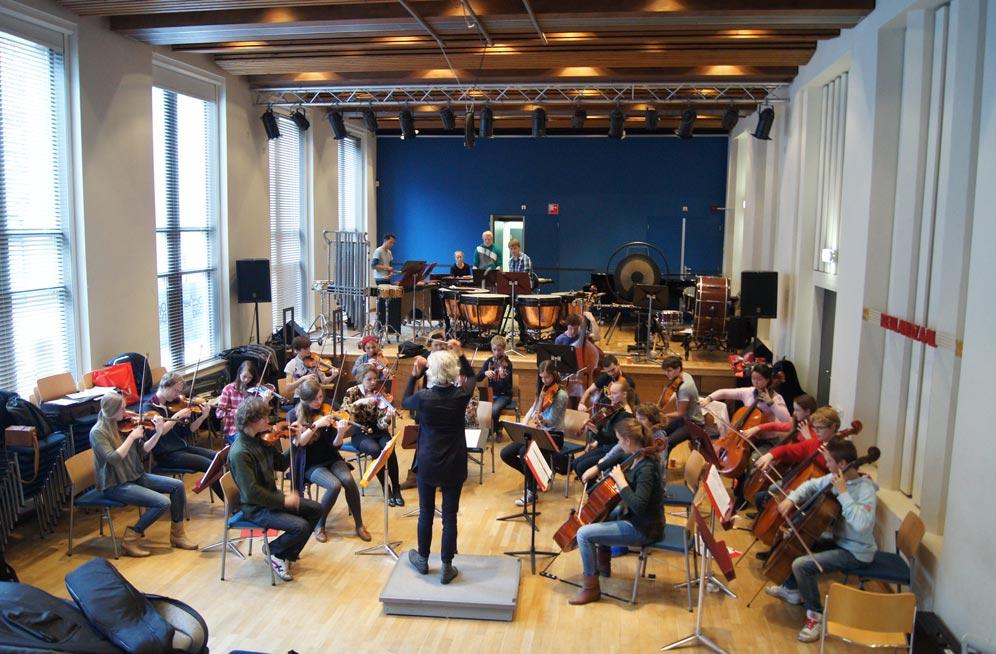 Britten Jeugd Strijkorkest repeteert in ArteZ Conservatorium (bron HetBritten.nl)