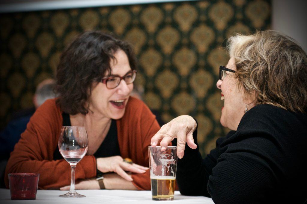 Filosofe Susan Neiman en schrijfster Slavenka Drakulic ©Marc Brester/AQM