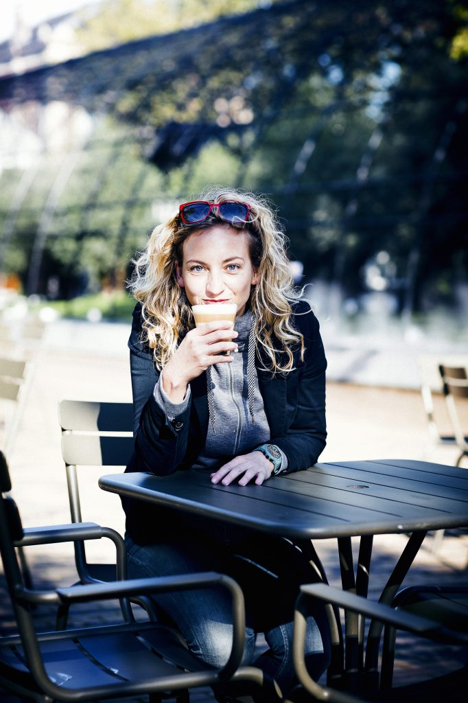 Schrijfster Iris Hannema ©Ernie Enkelaar