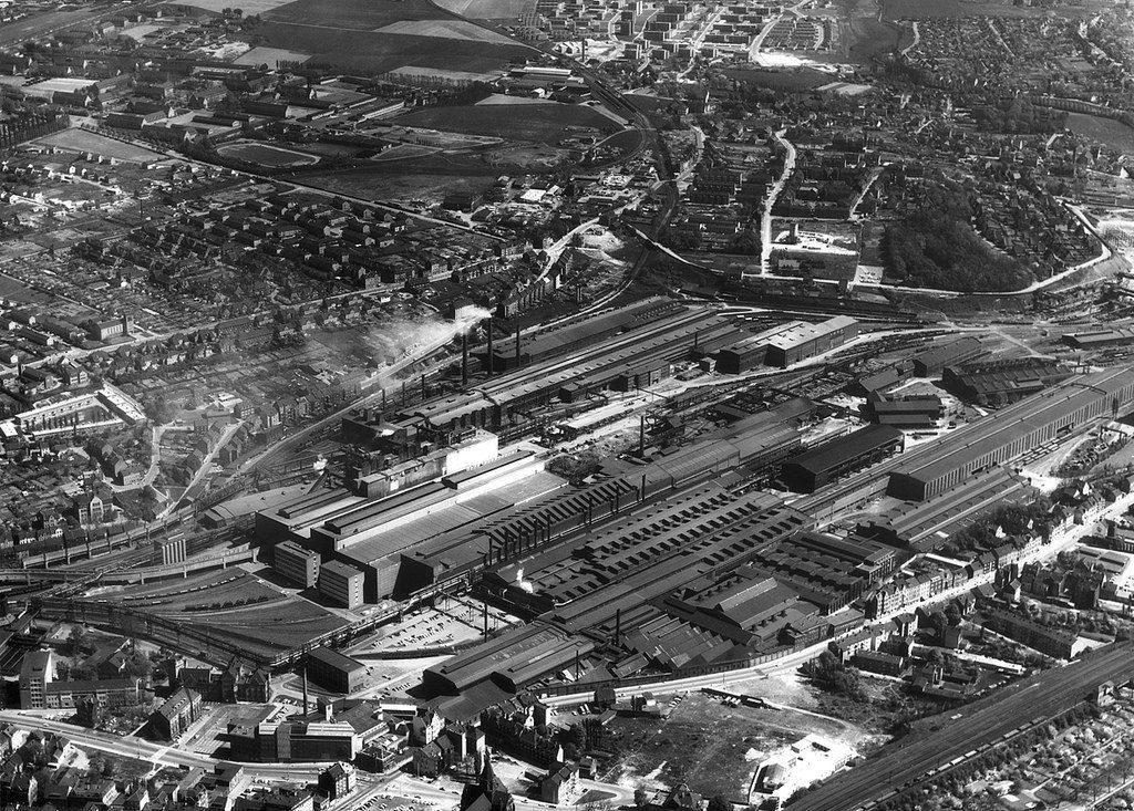 De Phoenix Staalfabriek, vordat hij werd verkocht aan China en veranderde in een lieflijk recreatiemeer.
