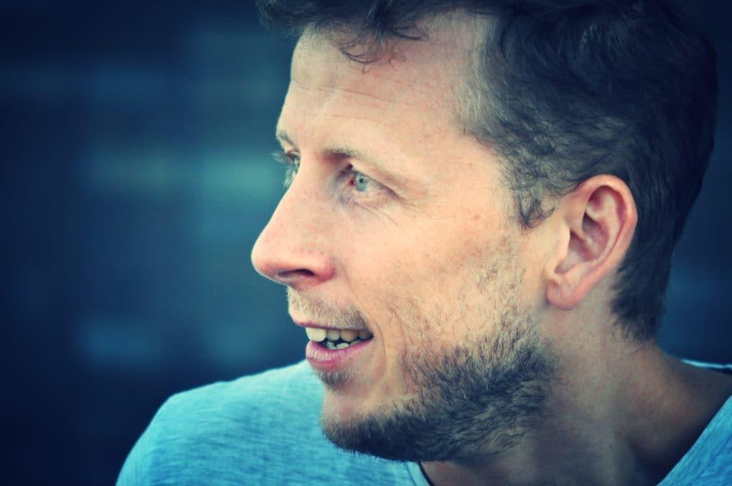 Jan Martens. Foto: Maarten van der Elst.
