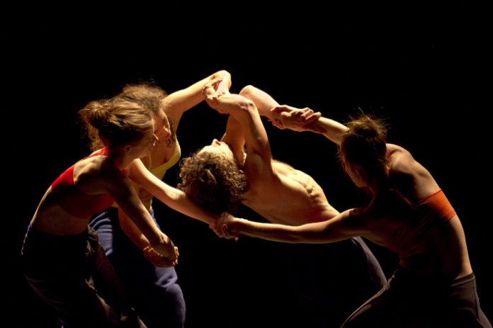 Een scène uit ''The Rodin Project'' van Russell Maliphant.