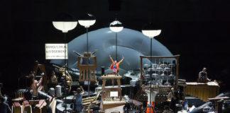 """Aufführung der Komposition """" Delusion of the fury """" von Harry Partch in der Musiktheater Inszenierung von Heiner Goebbels mit dem Ensemble musikFabrik in der Jahrhunderthalle Bochum im Rahmen der Ruhrtriennale 2012-14 am Mittwoch, 21.08.2013"""