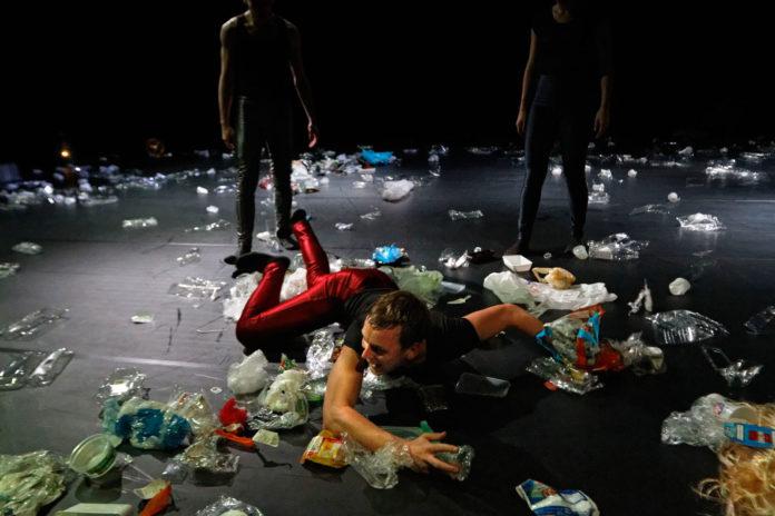 Plastic Junkies van Antonin Comestaz, foto Robert Benschop