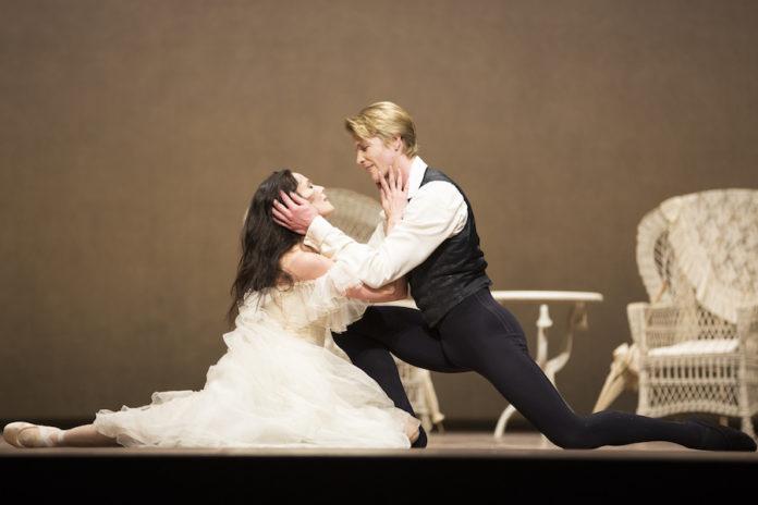 Het Nationale Ballet - La Dame aux Camelias - foto Angela Sterling 0474