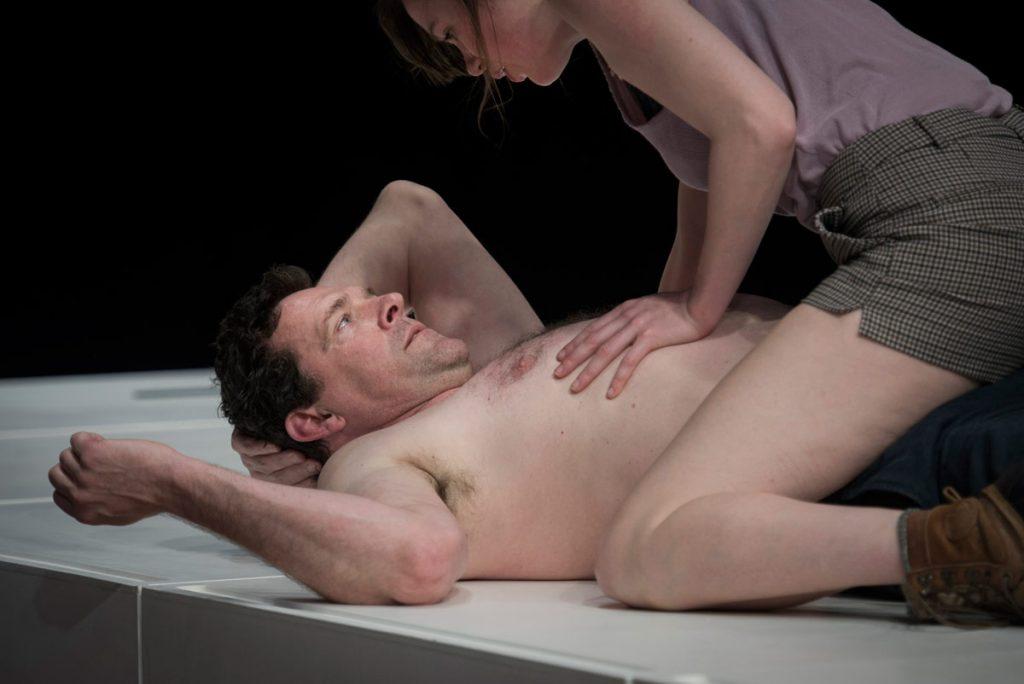 Solness - het Nationale Toneel - Mark Rietman, Anna Raadsveld - foto Kurt Van der Elst