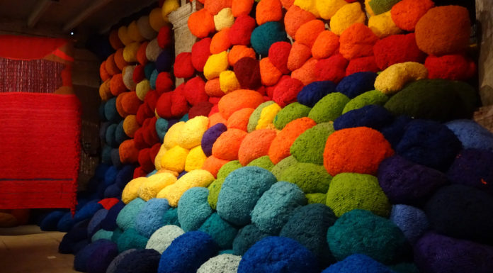 Sheila Hicks, Escalade Beyond Chromatic Lands -2016-2017- Arsenale-End-wall