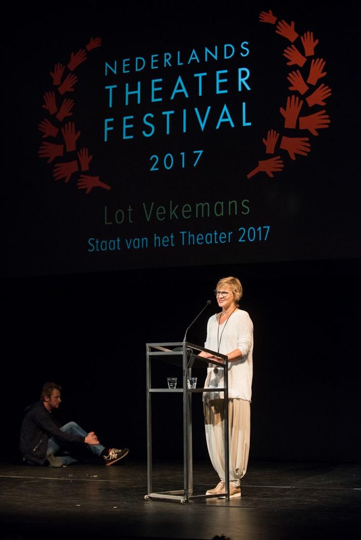 Lot Vekemans tijdens de Staat van het Theater. Foto: Anna van Kooij.